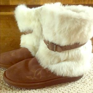 Emu boots with fur